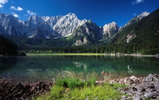 Lago di Fusine Superiore e Mangart. Tarvisio, Friuli © Marco Milani